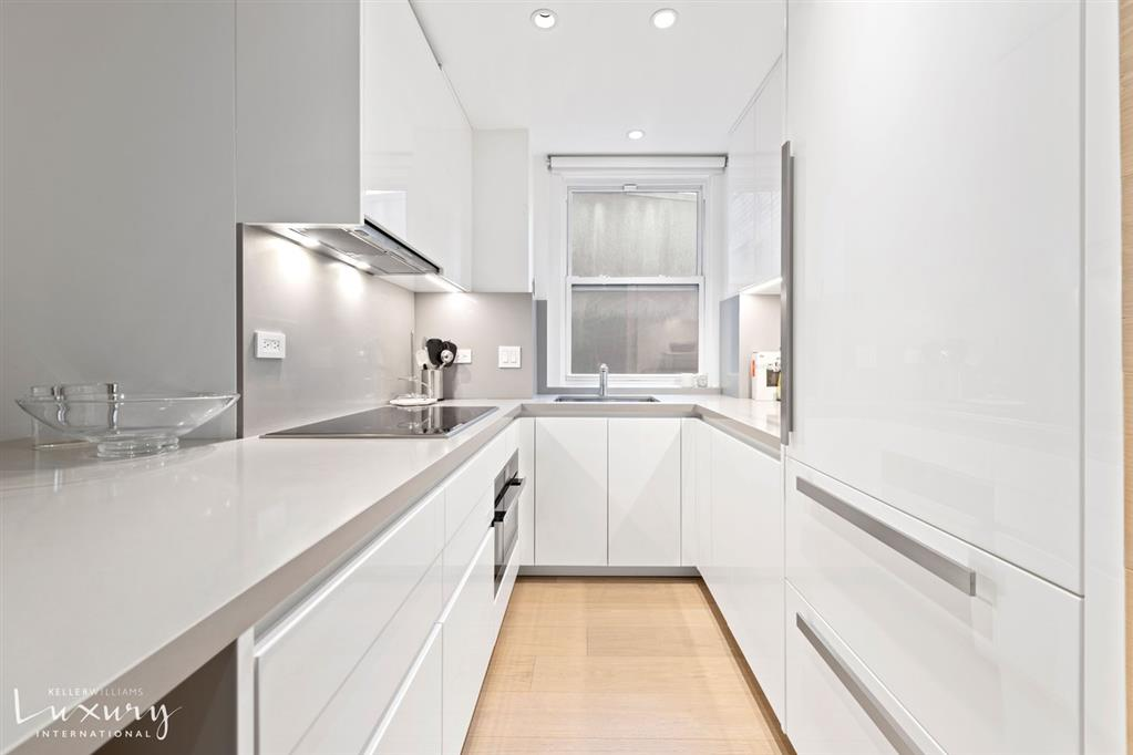 40 West 55th Street Midtown West New York NY 10019