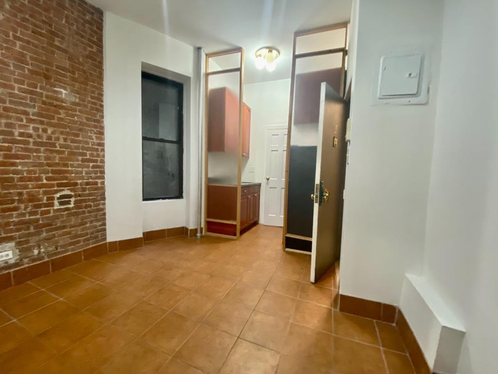 415 West 44th Street Clinton New York NY 10036