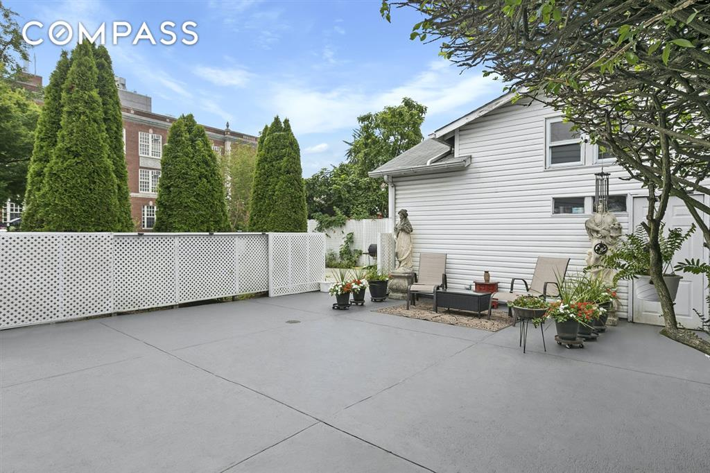 88-82 192nd Street Saint Albans Queens NY 11423