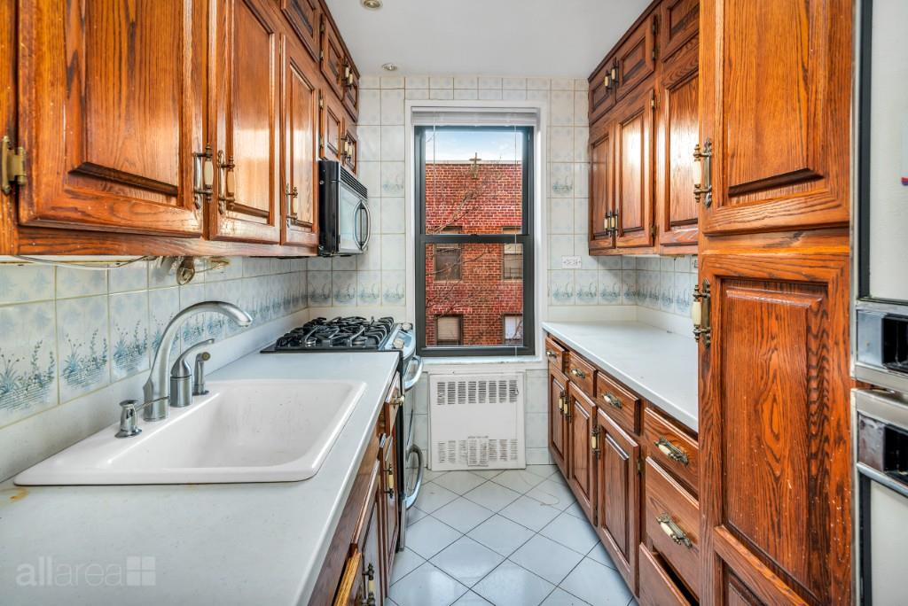 65-15 38th Avenue Woodside Queens NY 11377