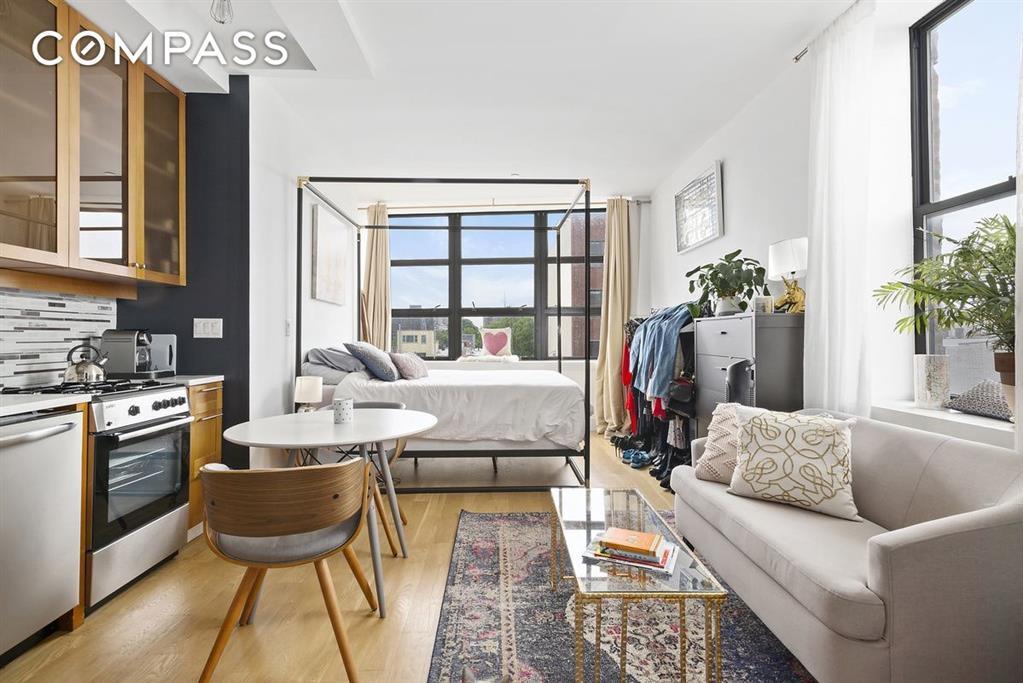573 Metropolitan Avenue East Williamsburg Brooklyn NY 11211