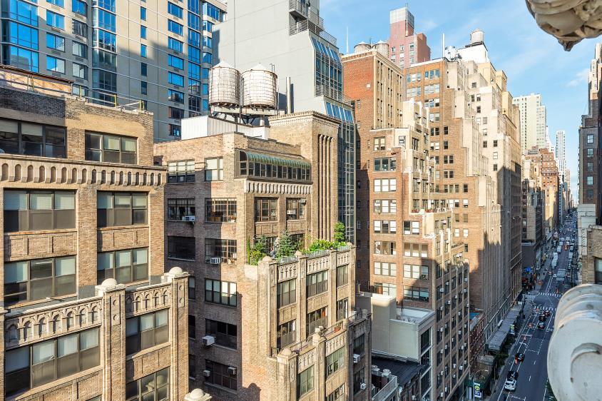 348 West 38th Street Clinton New York NY 10018