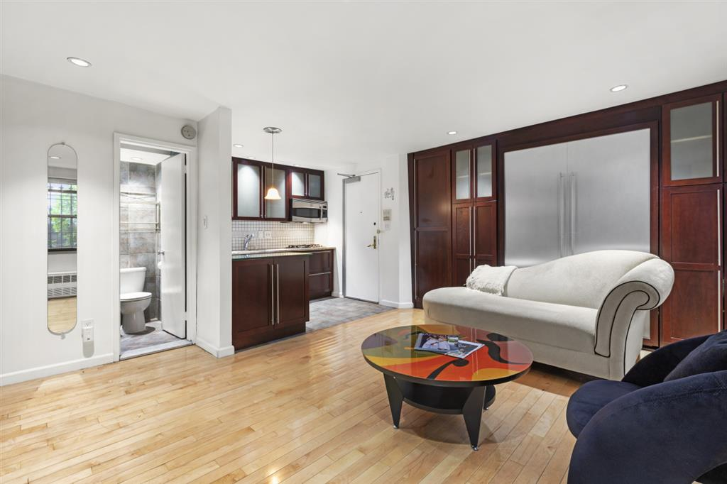 318 West 15th Street Chelsea New York NY 10011