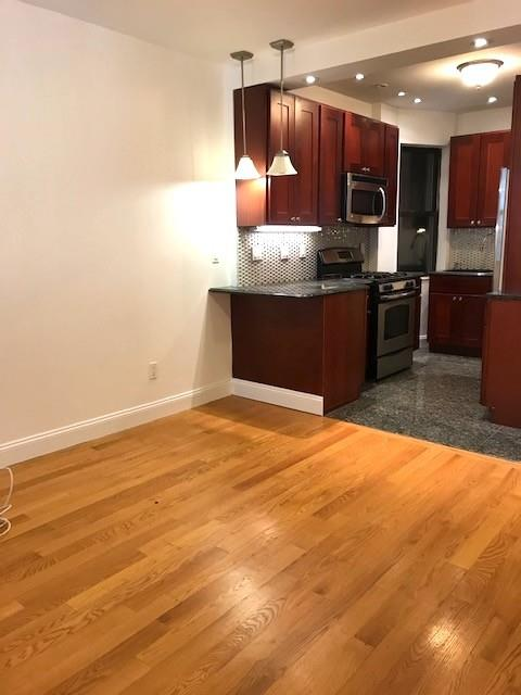 1752 First Avenue Upper East Side New York NY 10128