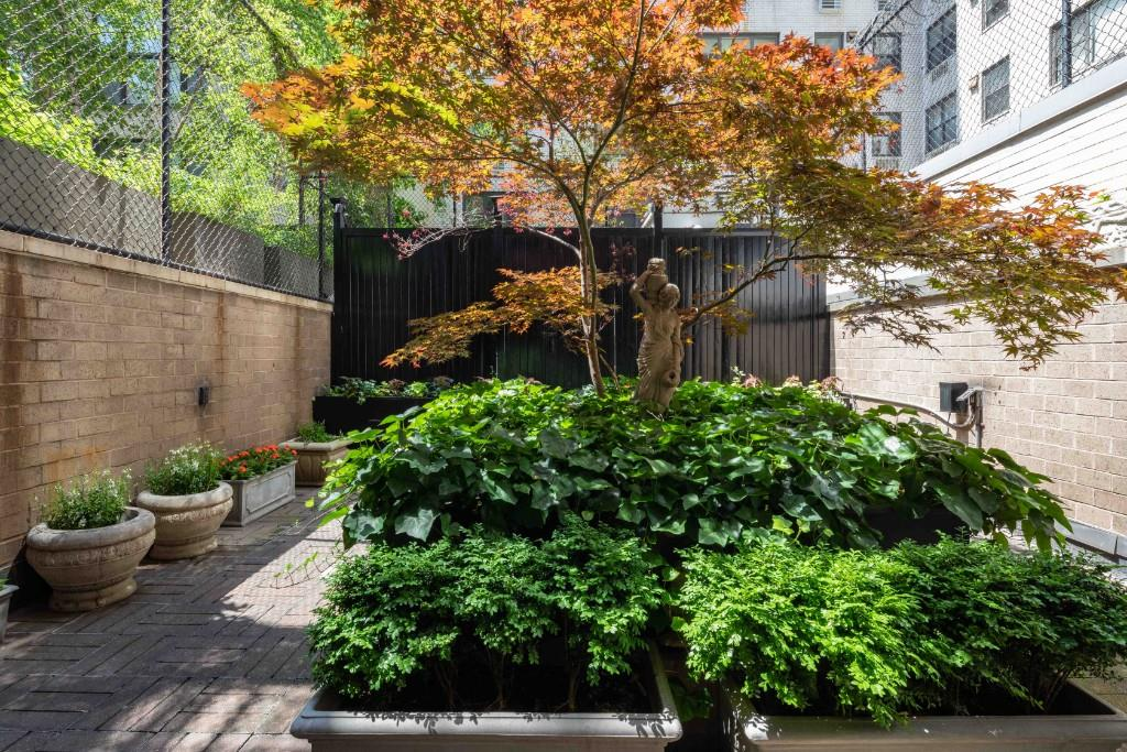 32 East 76th Street Upper East Side New York NY 10021