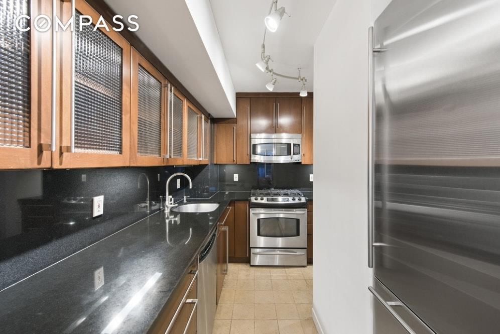 7 East 14th Street Flatiron District New York NY 10003