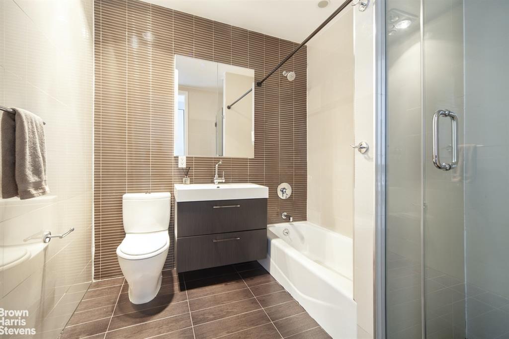 524 Manhattan Avenue Williamsburg Brooklyn NY 11222