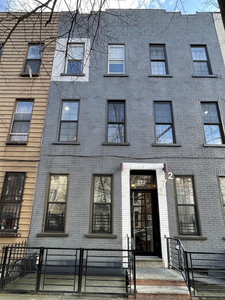 272 Himrod Street 2-L Bushwick Brooklyn NY 11237