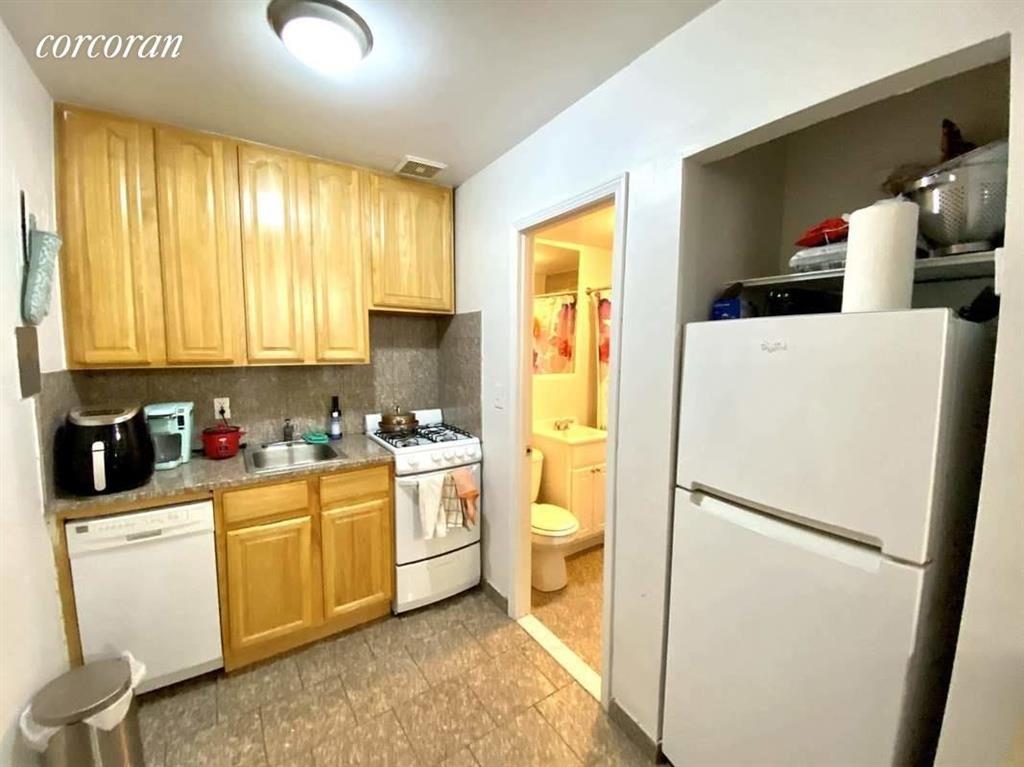142 West 70th Street Lincoln Square New York NY 10023