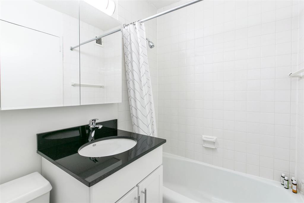 245 East 40th Street Murray Hill New York NY 10016