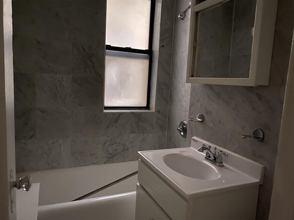 201 East 35th Street Murray Hill New York NY 10016