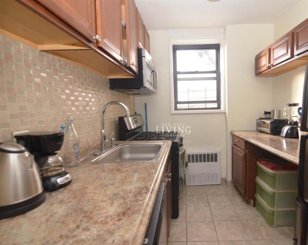 488 Ocean Parkway Kensington Brooklyn NY 11218