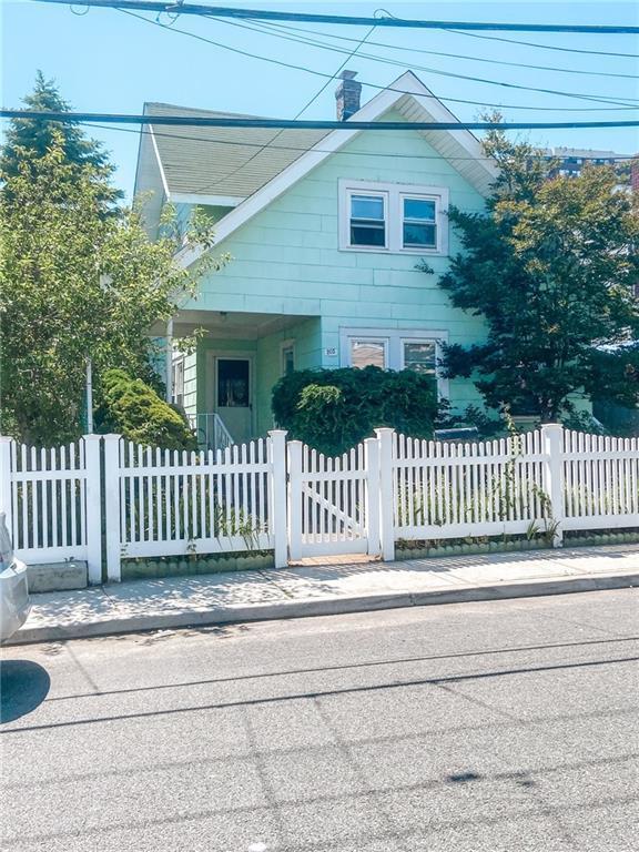 205 Beach 30 Street Far Rockaway Far Rockaway NY 11691