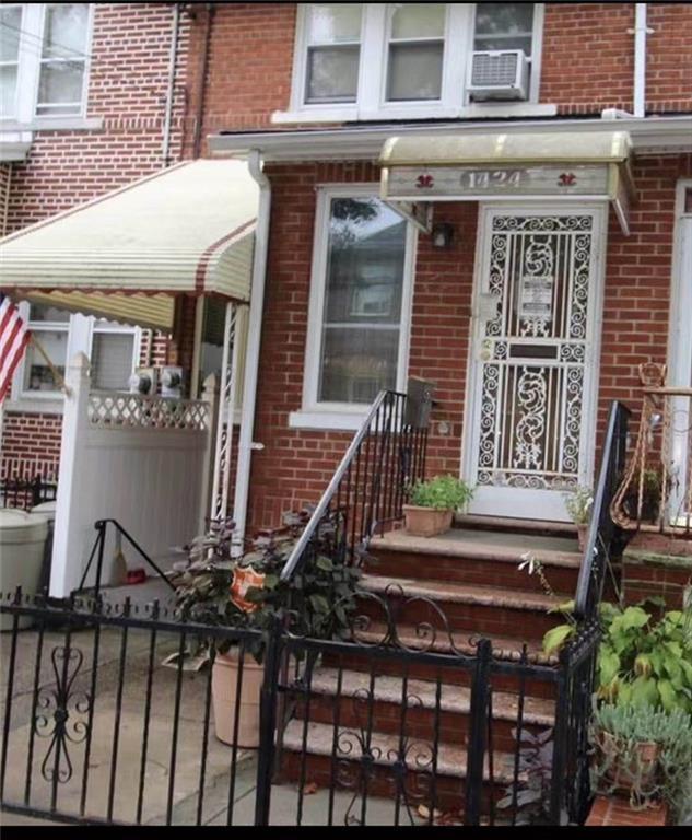 1424 76 Street Dyker Heights Brooklyn NY 11228