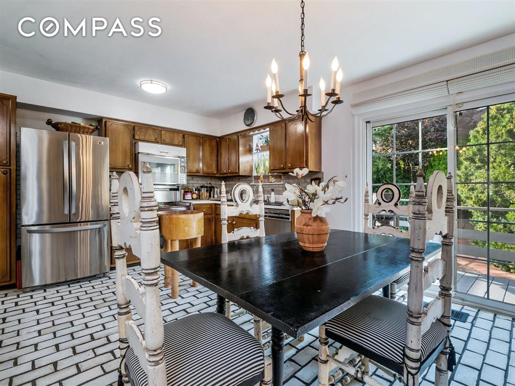 239-27 65th Avenue Forest Hills Queens NY 11362