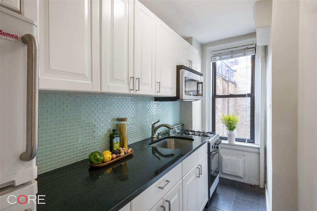 321 East 54th Street Sutton Place New York NY 10022