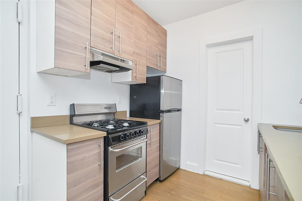 90 Downing Street 11 Clinton Hill Brooklyn NY 11238