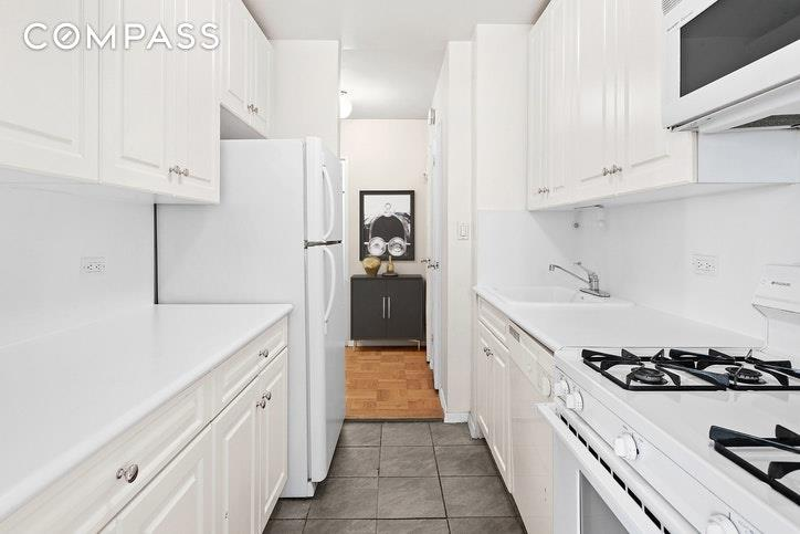 215 East 80th Street Upper East Side New York NY 10075