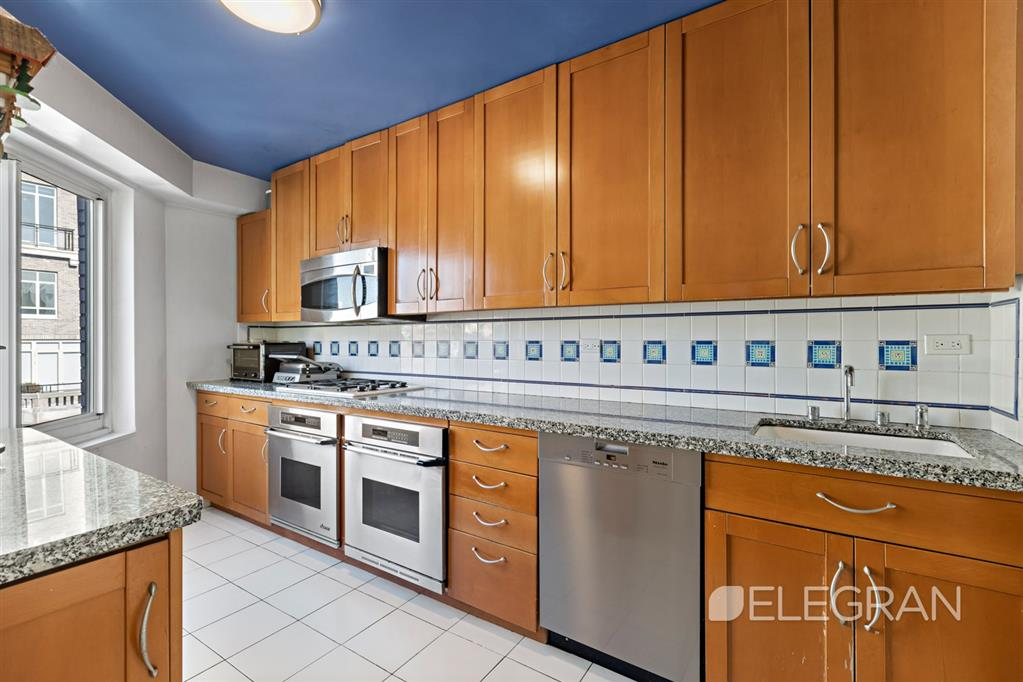 10 East End Avenue 21-AB Upper East Side New York NY 10075