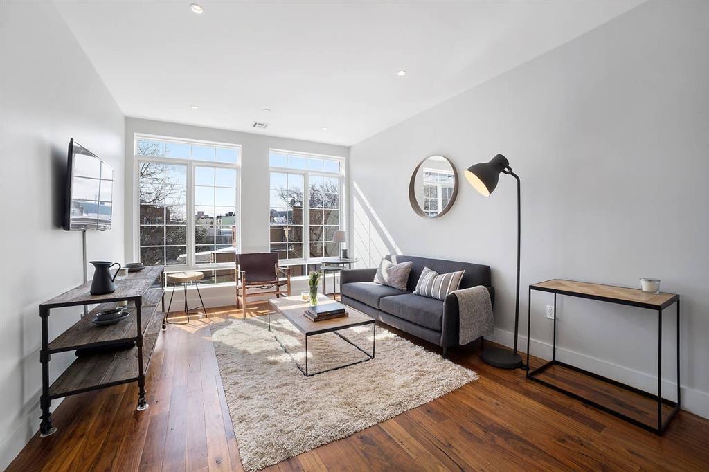 161 Jackson Street Greenpoint Brooklyn NY 11211