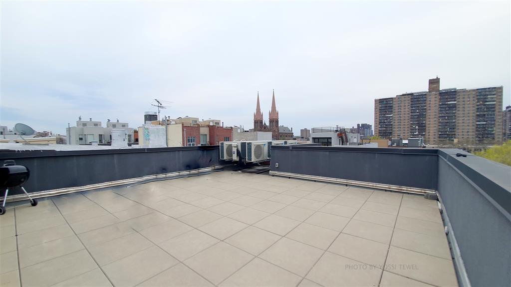 102 Scholes Street Williamsburg Brooklyn NY 11206