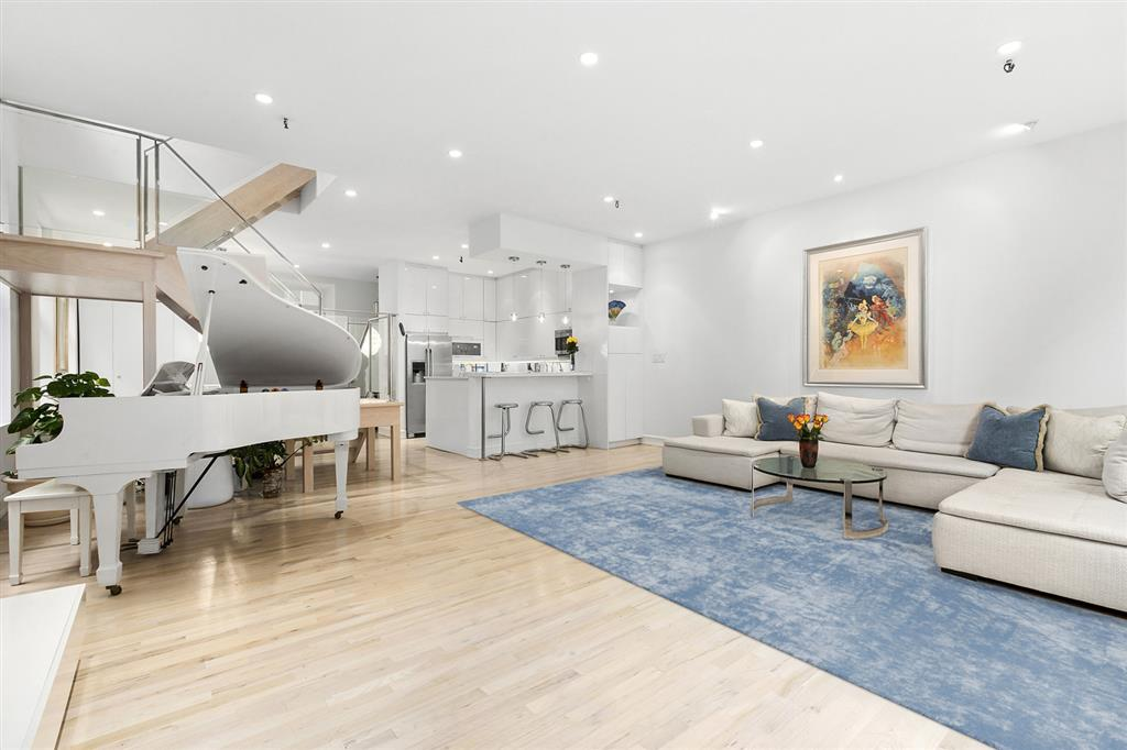 303 Mercer Street Greenwich Village New York NY 10003