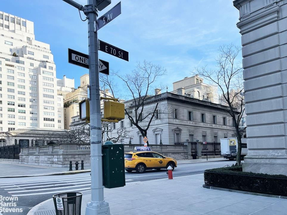 880 Fifth Avenue Upper East Side New York NY 10021