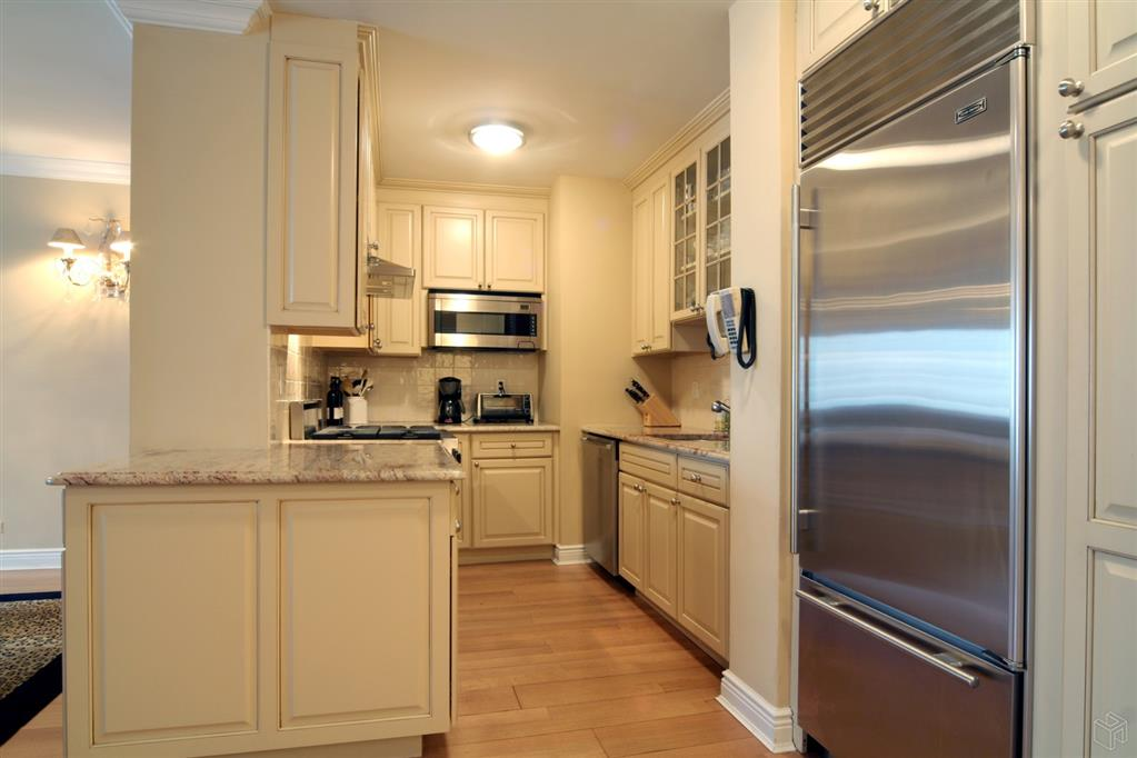 303 East 57th Street 9F Sutton Place New York NY 10022