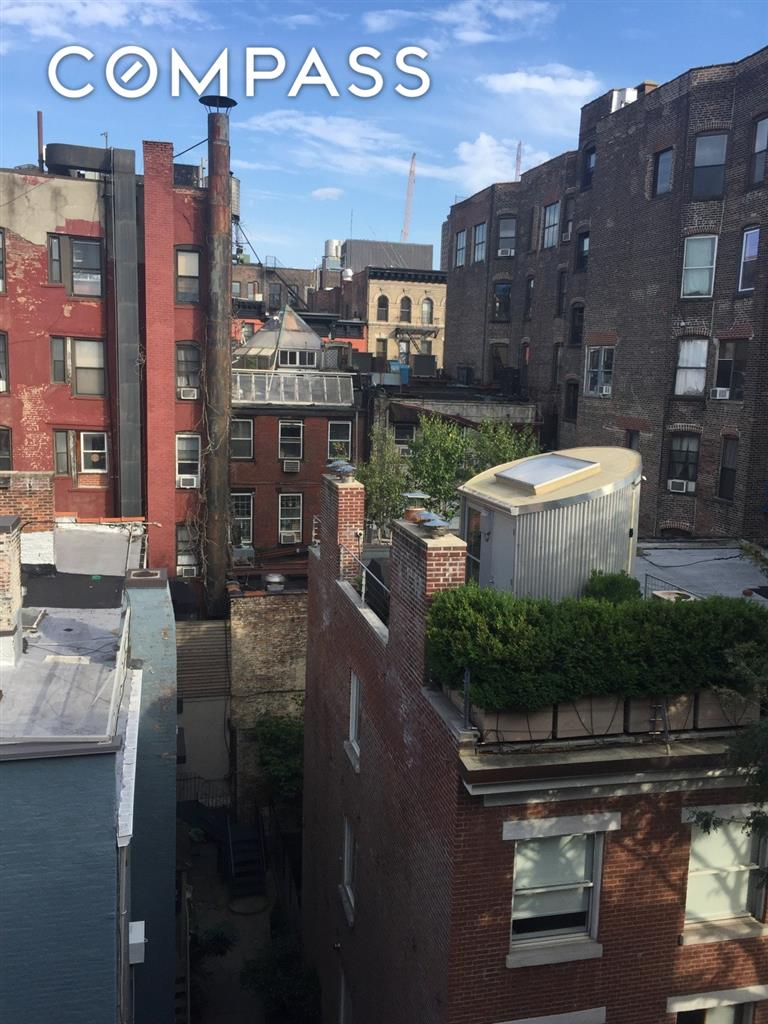 25 Minetta Lane Greenwich Village New York NY 10012