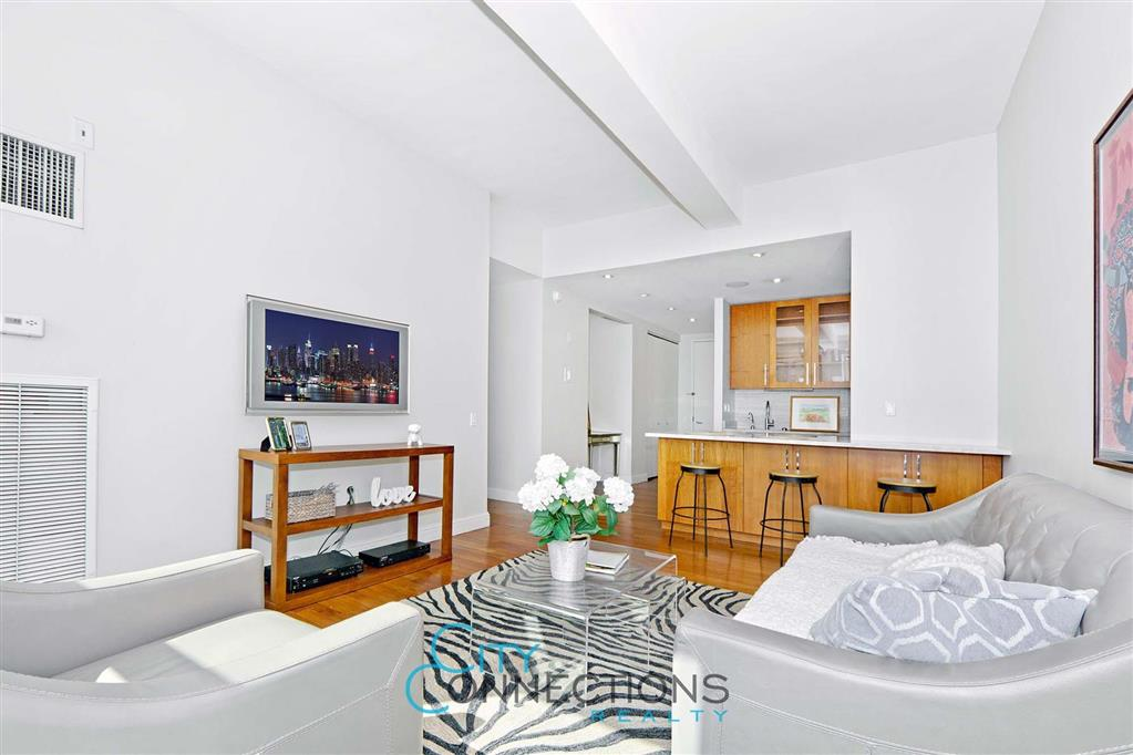 88 Greenwich Street 1512 Financial District New York NY 10006