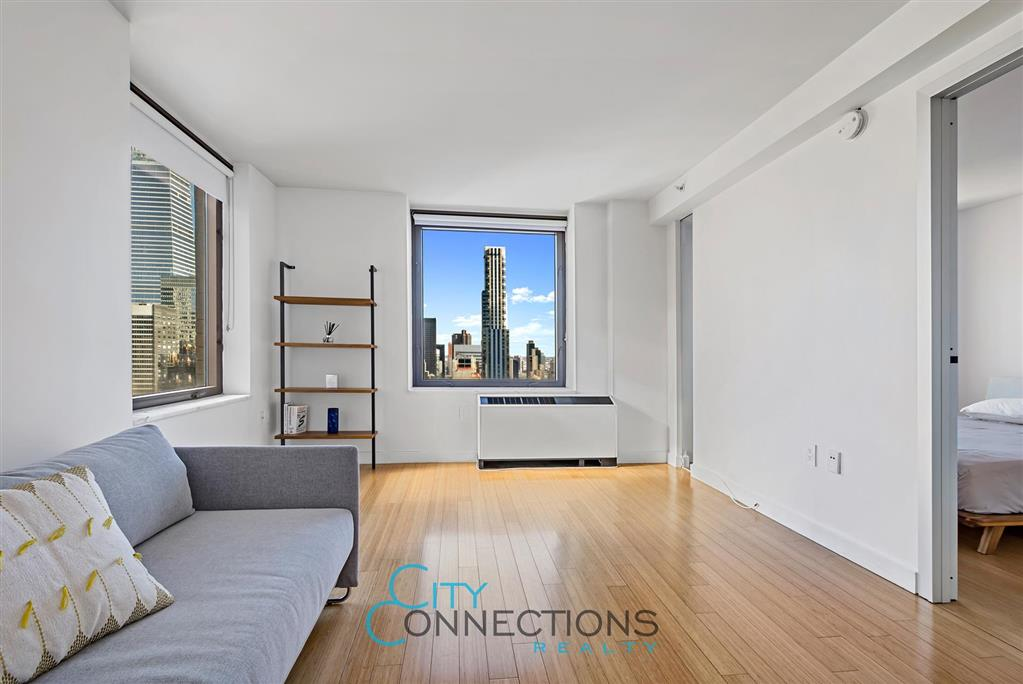 100 West 39th Street Midtown West New York NY 10018