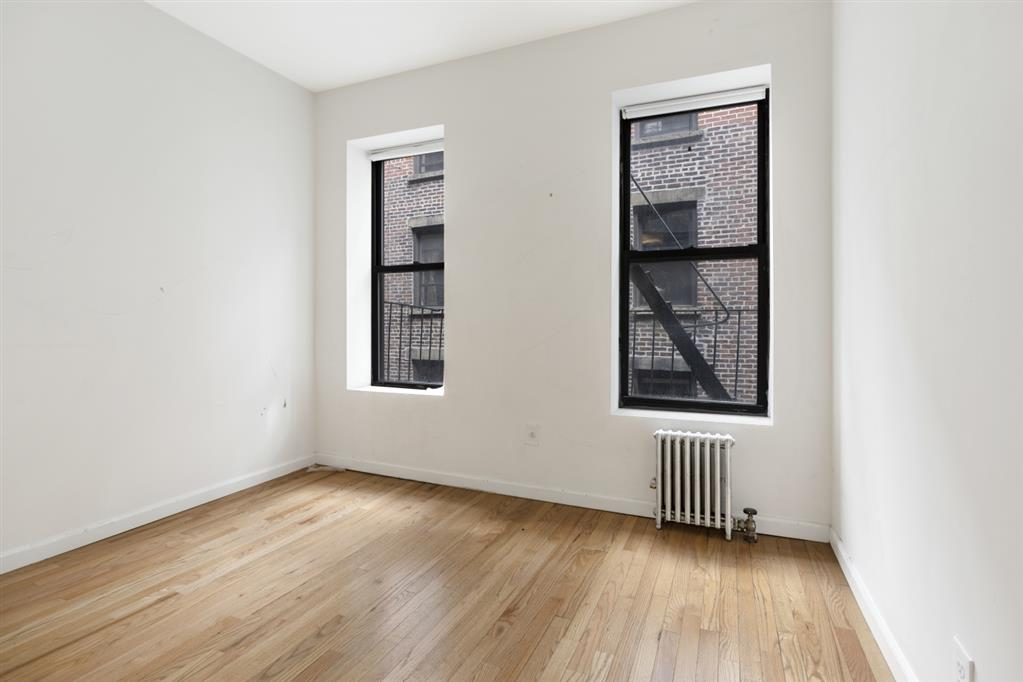 218 Thompson Street Greenwich Village New York NY 10012