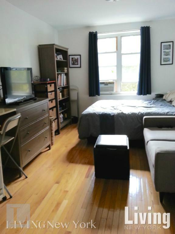 319 West 29th Street Chelsea New York NY 10001