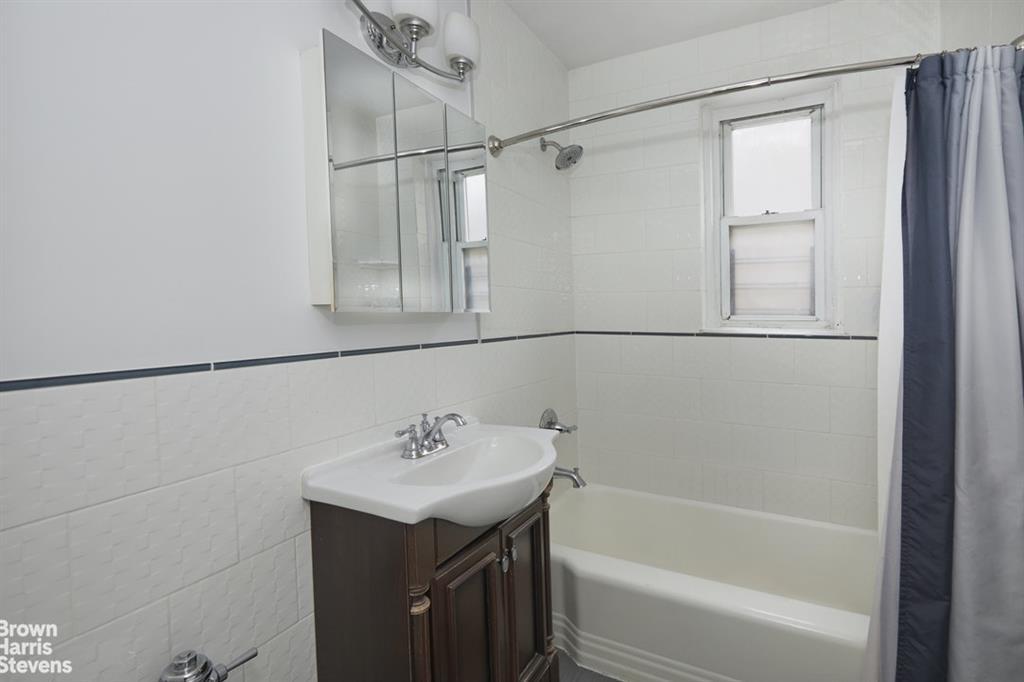 4499 Henry Hudson Parkway West Riverdale Bronx NY 10471