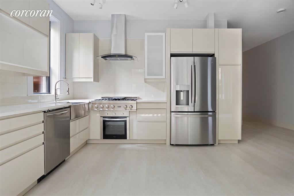 215 West 105th Street Manhattan Valley New York NY 10025