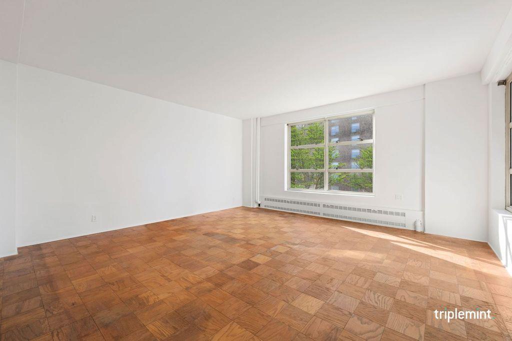 80 La Salle Street Morningside Heights New York NY 10027