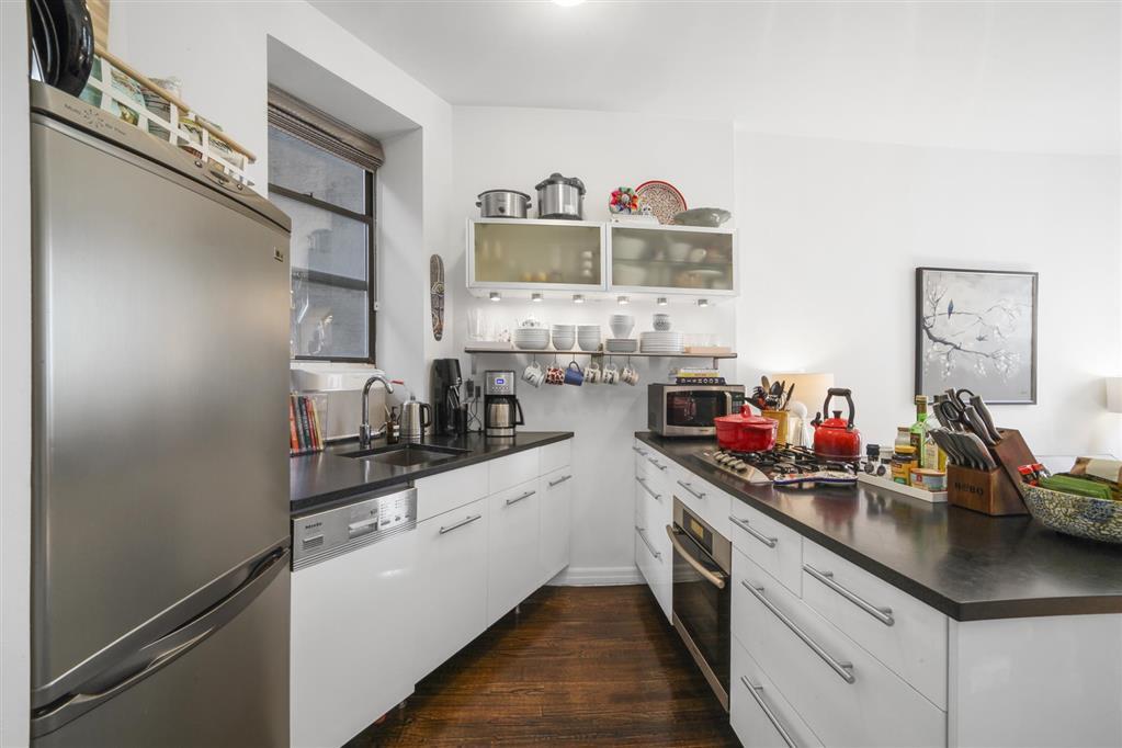323 East 8th Street E. Greenwich Village New York NY 10009
