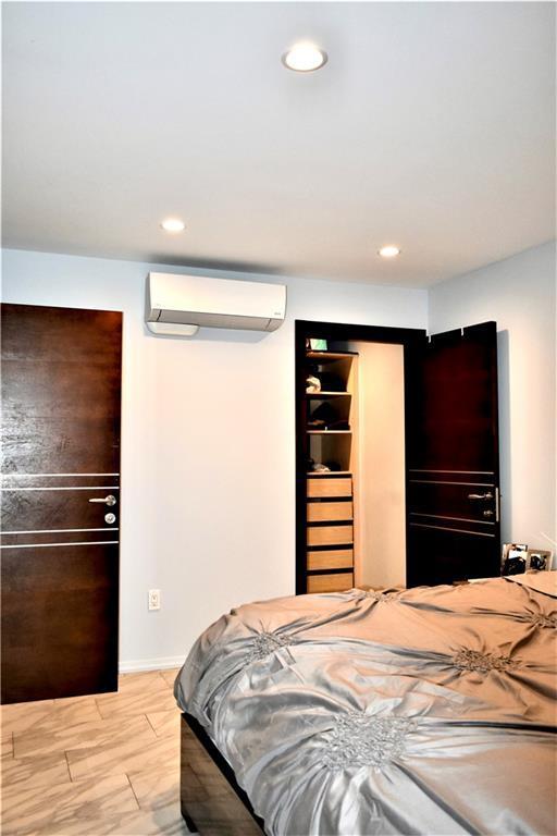 156 Oxford Street Manhattan Beach Brooklyn NY 11235