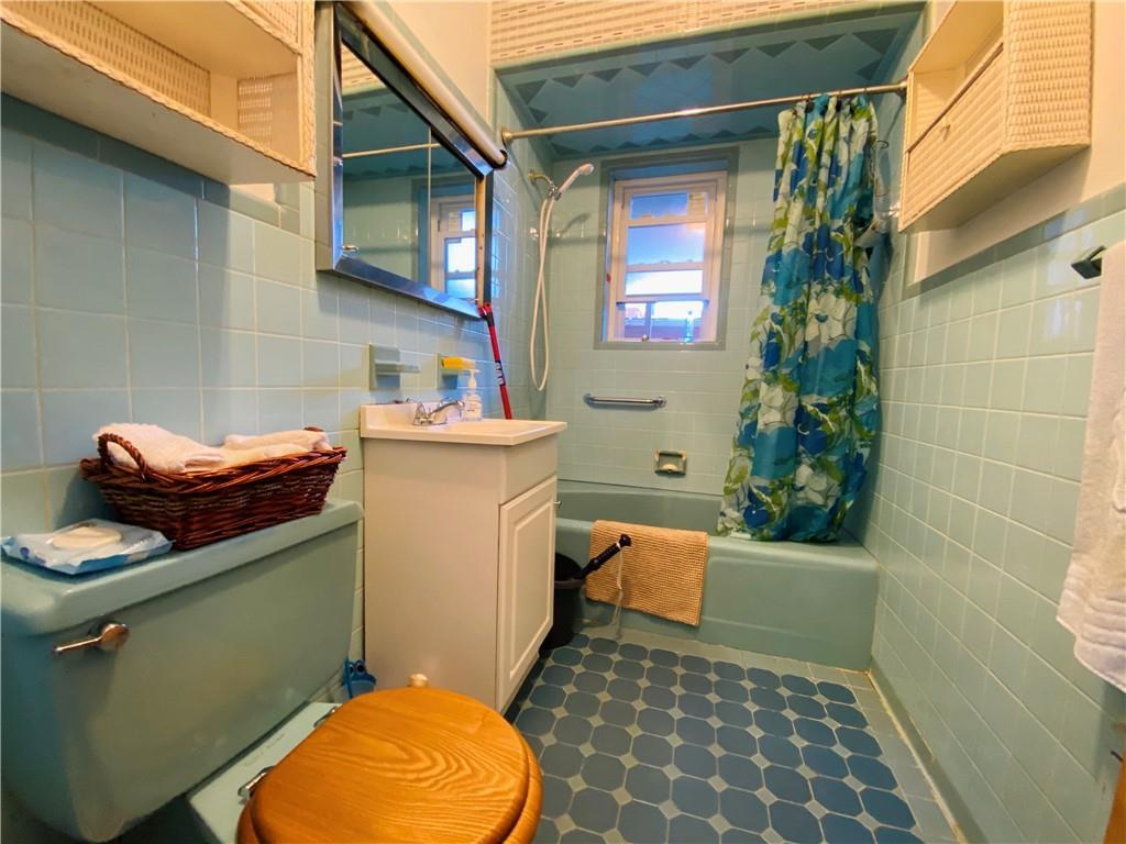 176 Bay 44th Street Bath Beach Brooklyn NY 11214