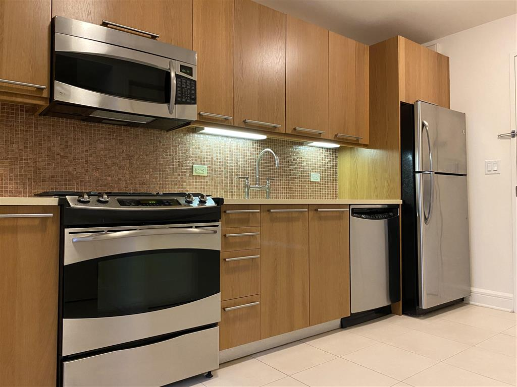 400 West 63rd Street Lincoln Square New York NY 10069