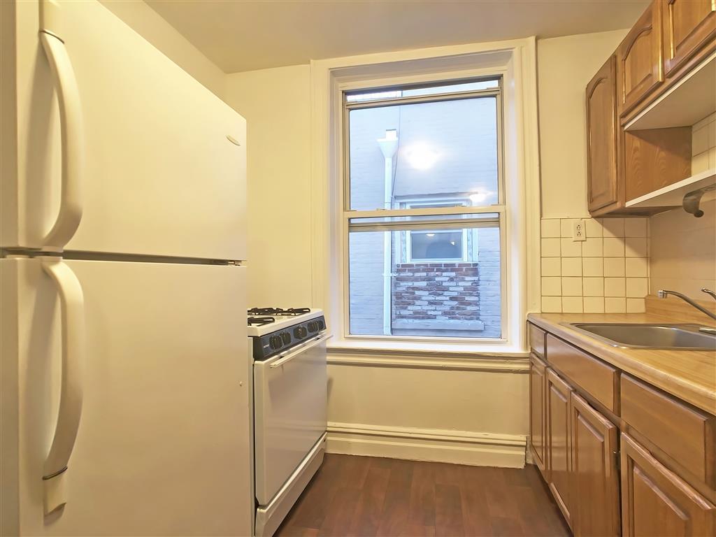 1343 40th Street Borough Park Brooklyn NY 11218