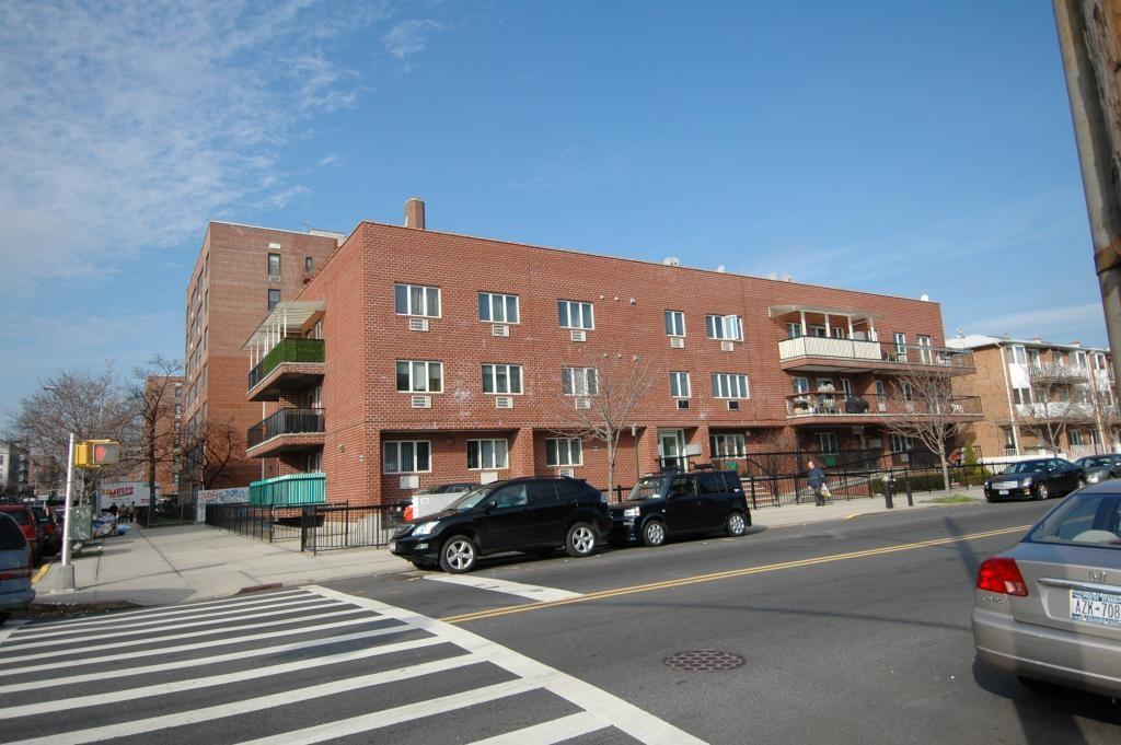 8676 23 Avenue 3E Bensonhurst Brooklyn NY 11214