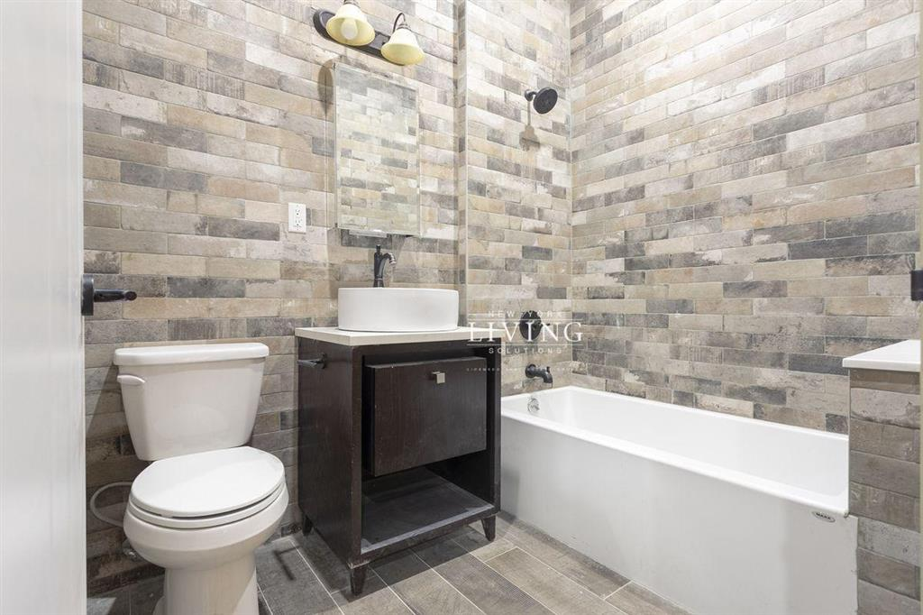 1631 Saint Johns Place 1FLB Crown Heights Brooklyn NY 11233