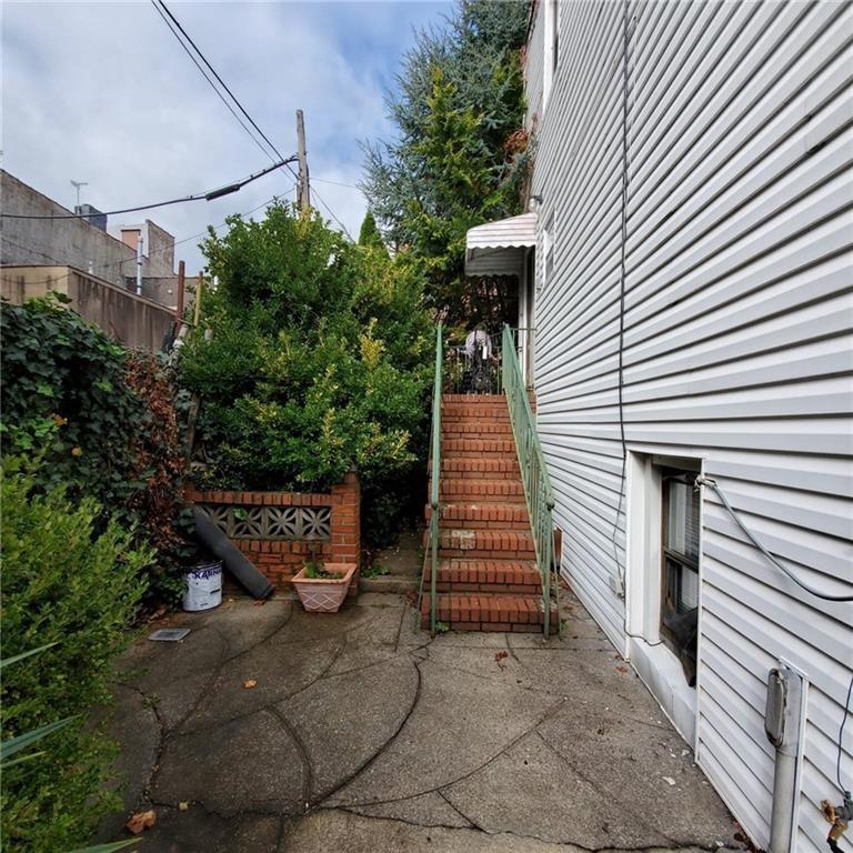 8752 16 Avenue Bensonhurst Brooklyn NY 11214