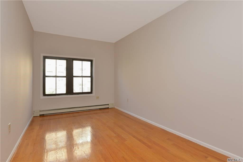 382 South 3 Street Williamsburg Brooklyn NY 11211