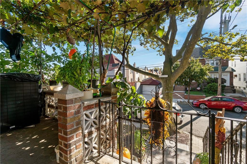 985 77 Street Dyker Heights Brooklyn NY 11228