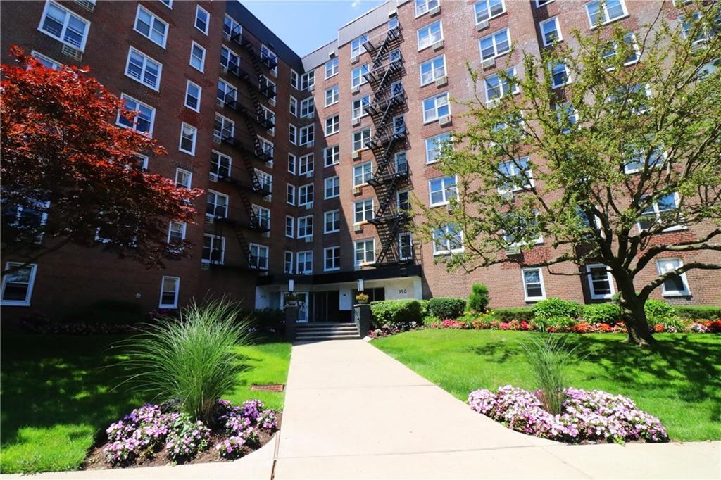 350 Richmond Terrace St. George Staten Island NY 10301