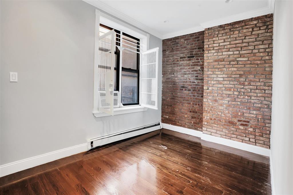 818 Tenth Avenue Clinton New York NY 10019