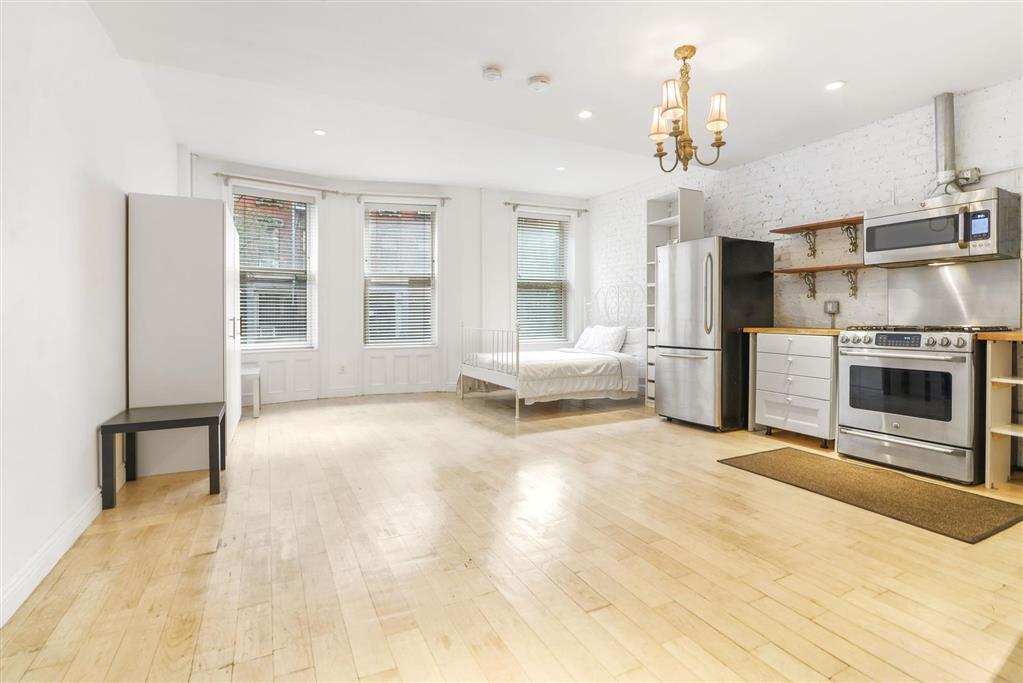 219 East 7th Street E. Greenwich Village New York NY 10009