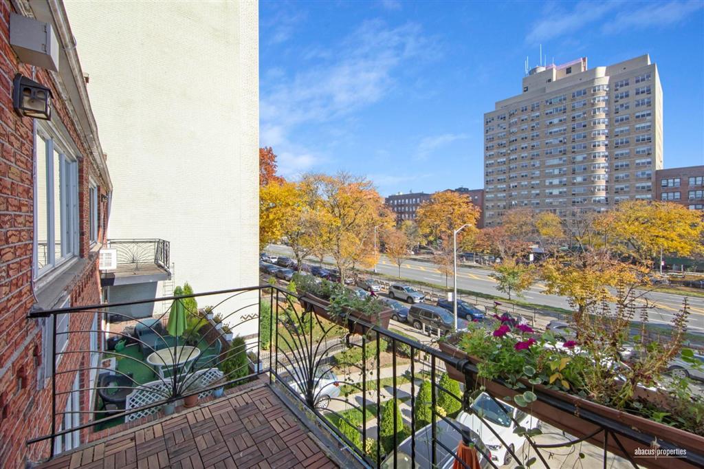 464 Ocean Parkway Kensington Brooklyn NY 11218